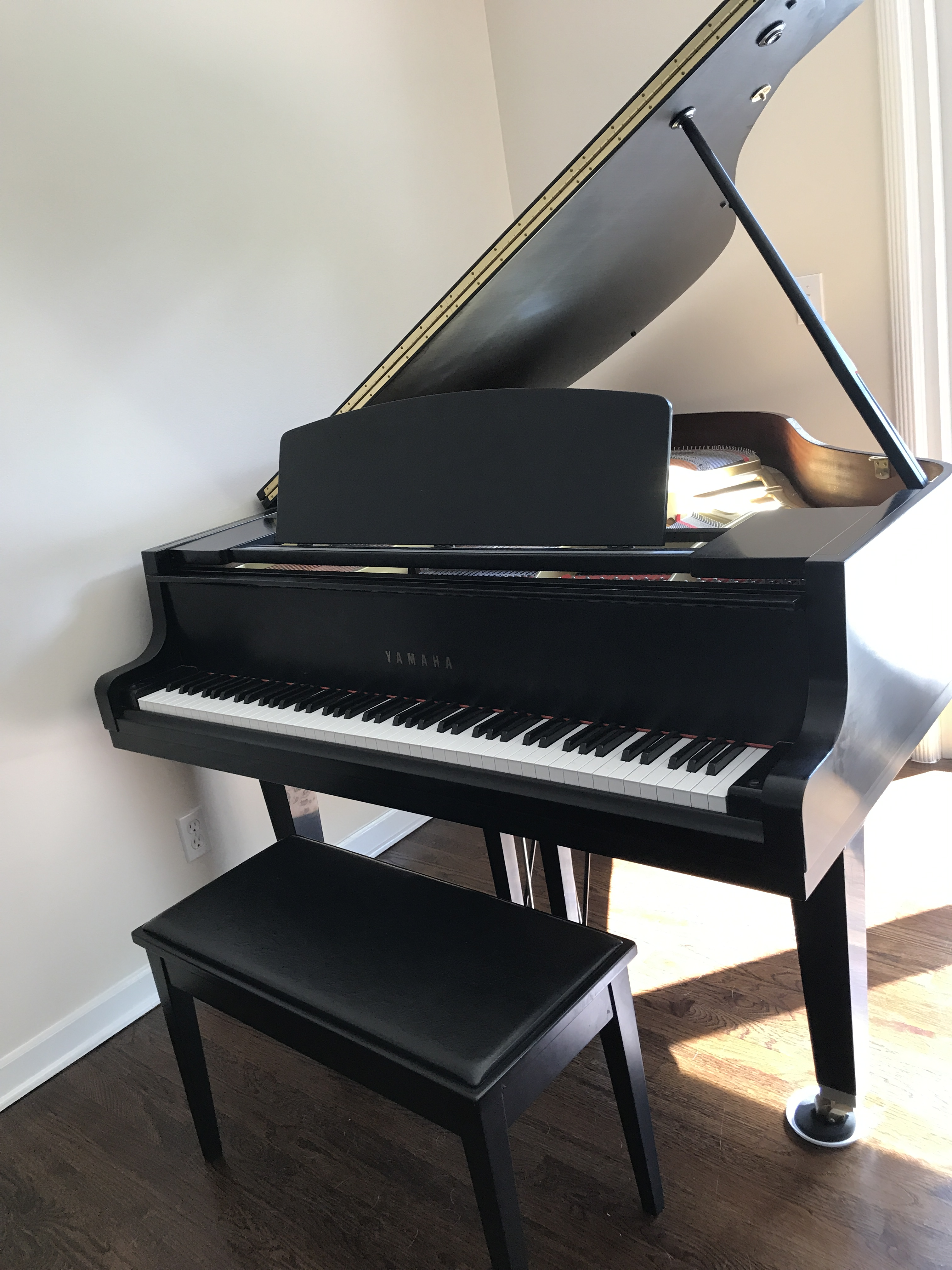 Yamaha gh1 baby grand piano pianos for sale for Yamaha grand pianos for sale